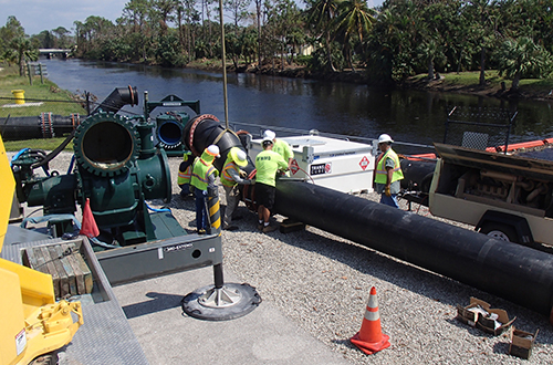 photo of temporary pump being installed at Golden Gate Weir 2